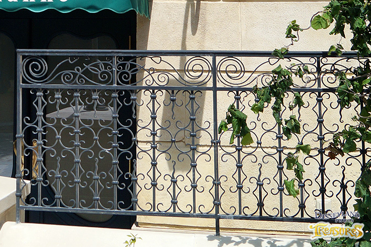 The Imagineers have hidden references to Ratatouille everywhere, like the rats in this iron fence