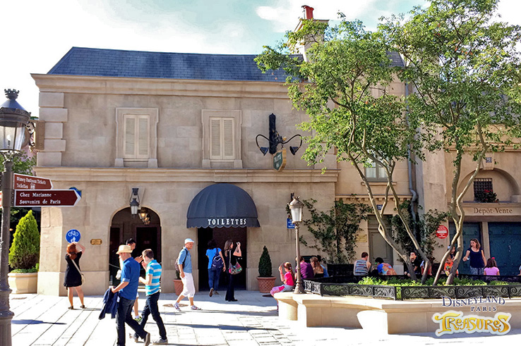 The rest rooms of Place de Rémy are located here
