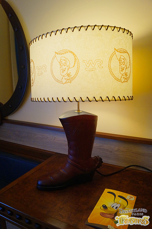 Hotel Cheyenne - The cowboy boot lamp now features Sheriff Woody